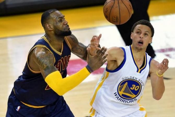 Cleveland Cavaliers vs Golden State Warriors Christmas Holiday Showdown - https://movietvtechgeeks.com/cavaliers-vs-warriors-holiday-showdown/-The Cleveland Cavaliers had started to draw some criticism in the NBA following a start to the season that wasn't exactly dominant in the Eastern Conference. However, the Cavs are currently in the midst of a five-game winning streak