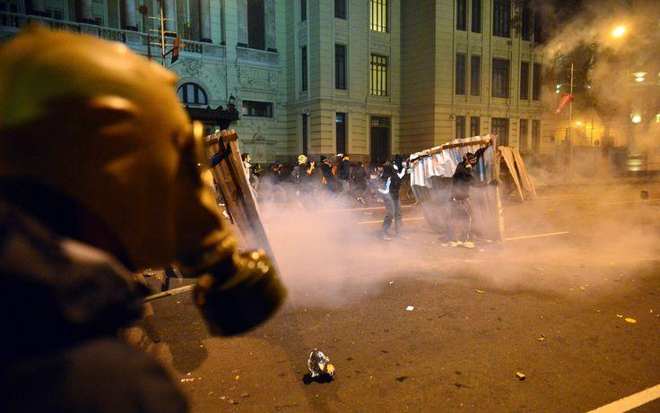 Manifestantes e PMs entraram em confronto no Rio de Janeiro