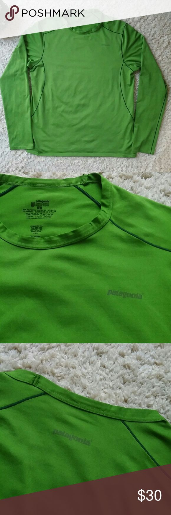Mens Patagonia long sleeve t-shirt A very nice green color long sleeve shirt. A nice quality stretchy material. In great condition Patagonia Shirts Tees - Long Sleeve