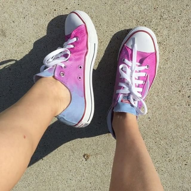 b5759ab99c9e ... these  Converse change from plain Jane to ombré beautiful in sunlight.  How cool is that  Tutorial and supplies neede…