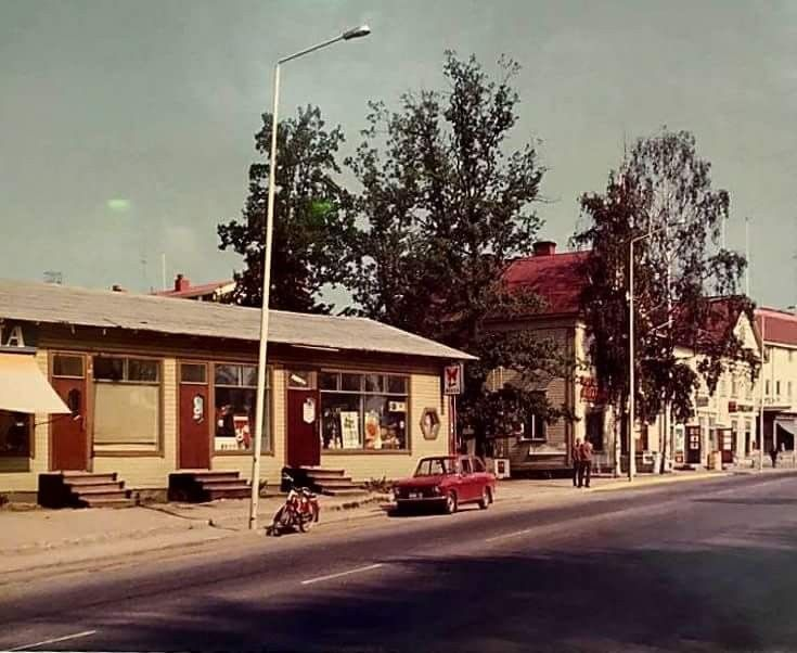 Viipurintieltä, vanhaa linja-autoasemaa vastapäätä.