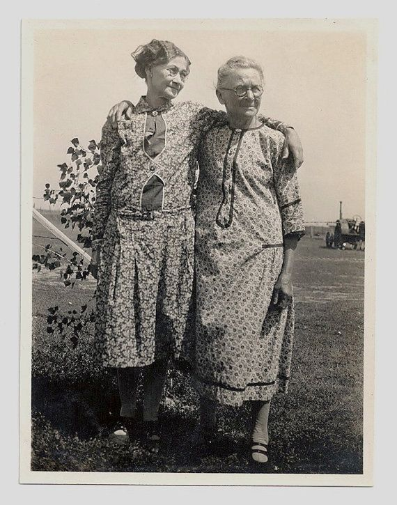 Old Photo 2 Women wearing flour sack Fabric Dresses..... by girlcatdesign, 8.00 Etsy