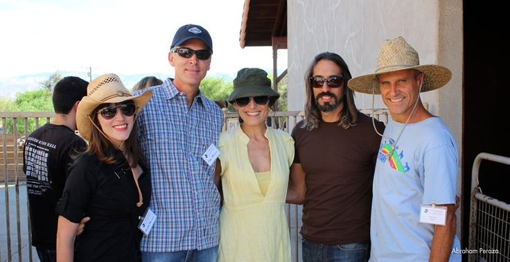 Guests Krista Galente, Mike Malinin, Lisa Edelstein and Robert Russell with Gene Baur.