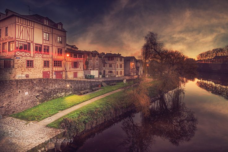 Limoges - Pinned by Mak Khalaf Limoges France City and Architecture Limogesarchitecturecitylightnightskywater by billbaroud87
