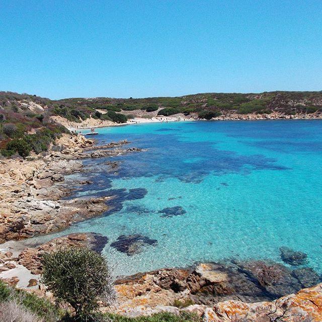 Sì avvicina il momento del relax  nel blu del golfo dell Asinara👍👍 #calasabina #asinara #sardegna #spiaggia #acqua #nofilter #unmaredasogno #cisiamo #vogliadimare #lanuovasardegna #instasardegna #sardegnaofficial #sardiniain #sardegna_reporter #sardiniamylove