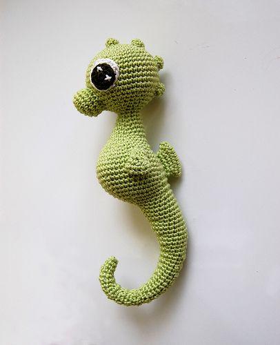 Charly seahorse amigurumi