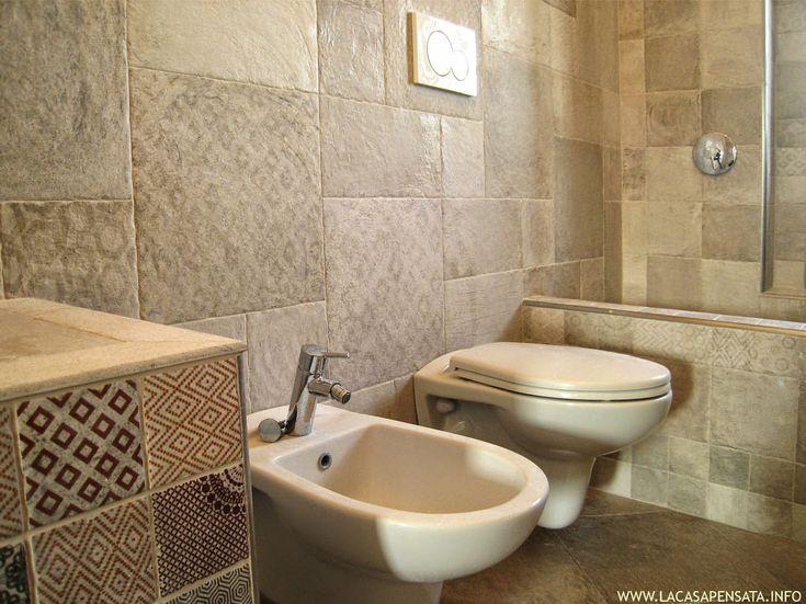 Risultati immagini per bagni piastrellati bassi