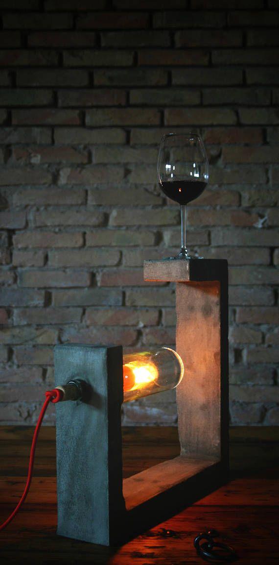 viNLumino lampada in cemento sughero e vetro riciclato di una