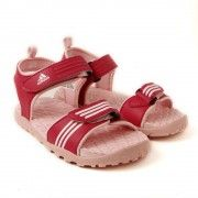 Elegantly designed with unique style and comfort elements, this pair of riddle casual sandal from Adidas is sure to bring a smile on their little face. Your little kid is assured of extreme comfort whenever they walk in these sandals, thanks to their padded footbeds. She can style these sandals with a polo tee and a pair of shorts.