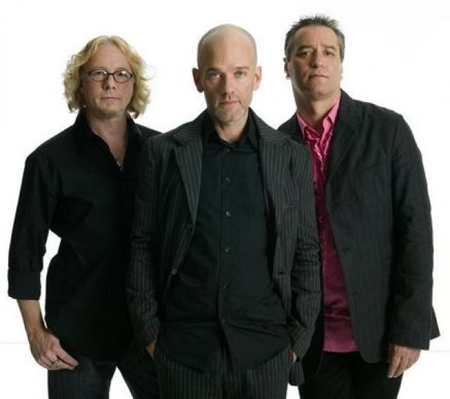 3. R.E.M.: Los Rapid Eye Movement tuvieron una carrera musical impecable desde los años ochenta. La banda se disolvió en el 2011, alegando de que no querían alargar y probablemente dañar lo que fue perfecto.
