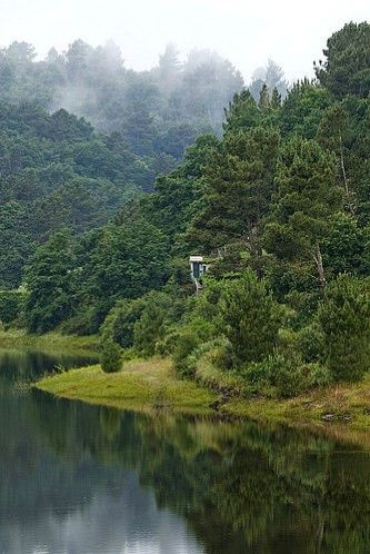 El río Miño , cerca de el Embalse de Belesar, en Lugo.