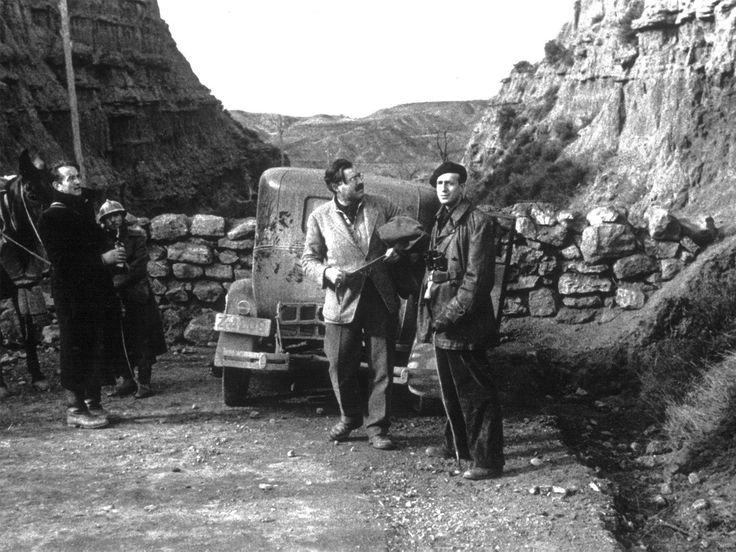 Spain - 1937. - GC - Hemingway, en la batalla de Belchite, donde fue corresponsal de guerra
