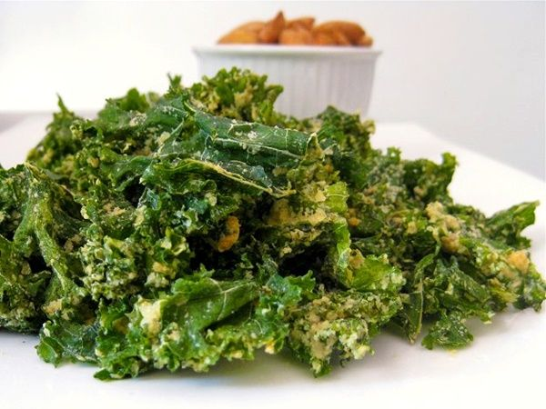 Guide to Nutritional Yeast plus 20 Delicious Recipes: Grab-and-Gorge Garlic Kale Chips Pictured