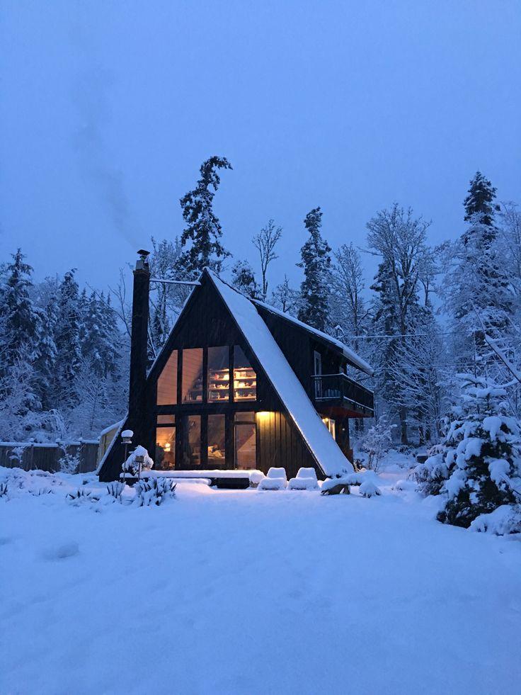 Cabin >> Woods << Snow