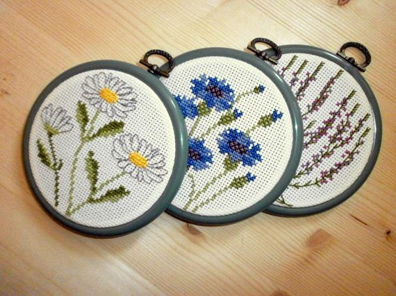 Framed Embroidered Wall Picture Miniature Floral Embroidery Tiny Hoops Hanging Cross Stitched Decor Bot Folk Art Decor Miniature Embroidery Framed Cross Stitch