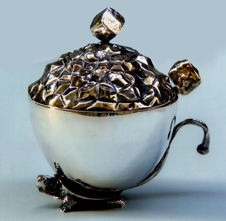 Tartaruga, zuccheriera in argento sbalzato e  cesellato #zuccheriera