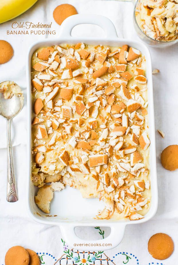 Old-Fashioned Banana Pudding - Sweet and creamy pudding with oodles of Nilla Wafers!