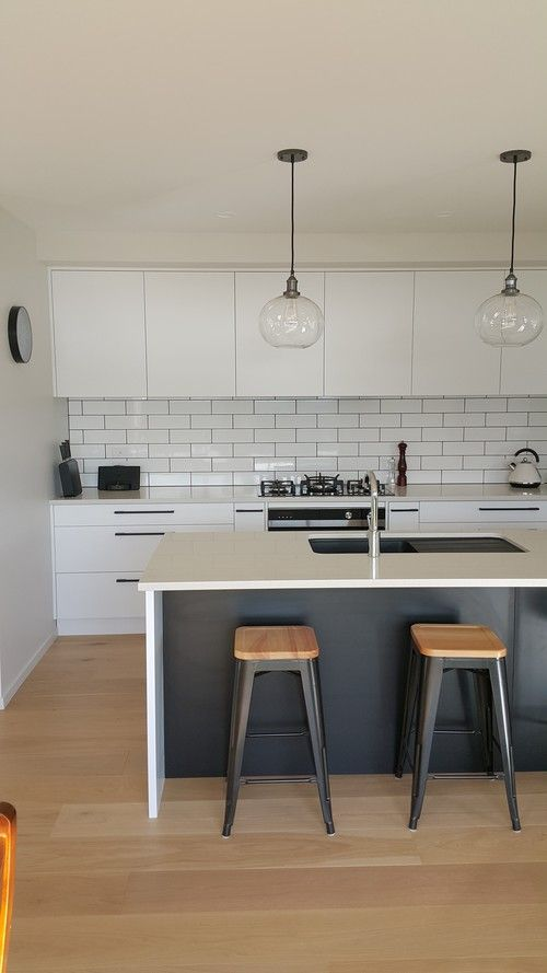 Subway tile splashback #kitchen