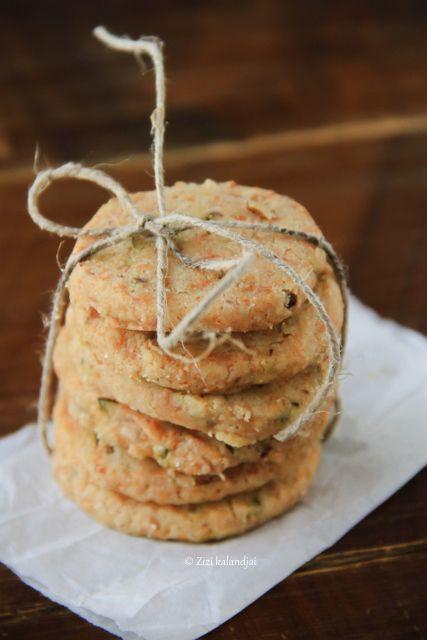 Bazsalikomos-diós-juhsajtos keksz