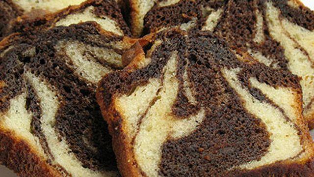 حلى كيك العائلة الرخامي Recipe Marble Cake Recipes Marble Pound Cakes German Cakes Recipes