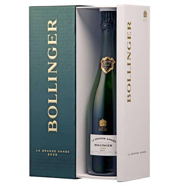 Weihnachten ist ein guter Grund sich und seinen Liebsten eine Flasche Champagner zu gönnen. <3 Dieser Champagner von Bollinger ist etwas ganz besonderes, denn er wird nur in besonderen Jahren produziert, wenn bei der Weinlese optimale Bedingungen gegeben sind.