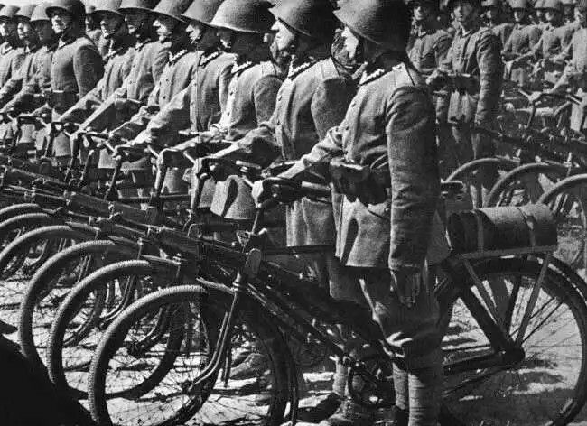 Polish Army bicycle Brigade pre WWII, pin by Paolo Marzioli