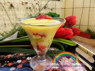 Arco-íris na Cozinha: Salada de Frutas com Custard de Limão