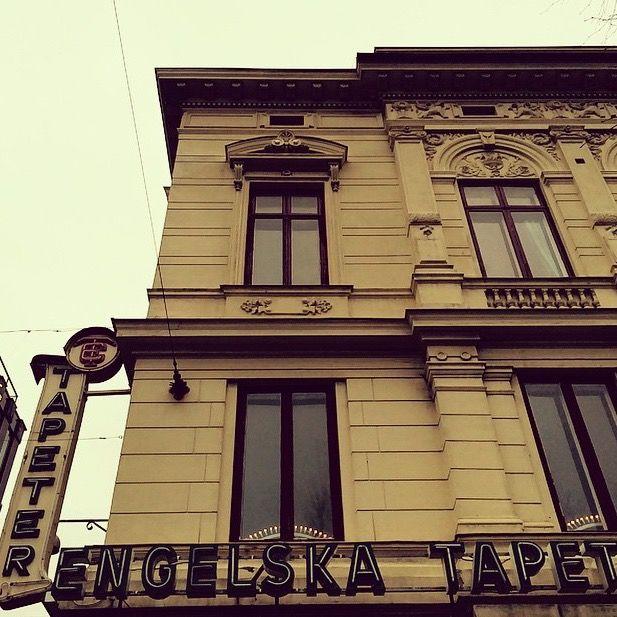 Engelska Tapetmagasinet. En högborg för tapeter, tyger, färg och inredning. Sedan 1899.