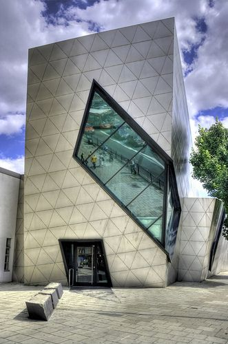 1000 ideas about modern architecture on pinterest for Daniel libeskind architectural style