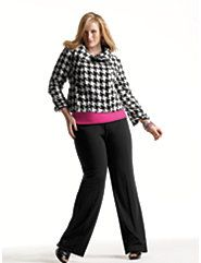 Plus Size Professional Outfits for Travel - Road Warriorettelike everything about this, except the way she is posing...I would never stand like that. lol