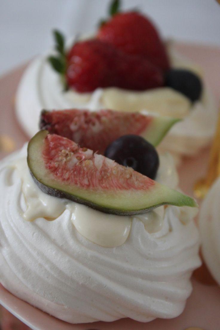 Mini Meringue Cakes #heartmade #goodies