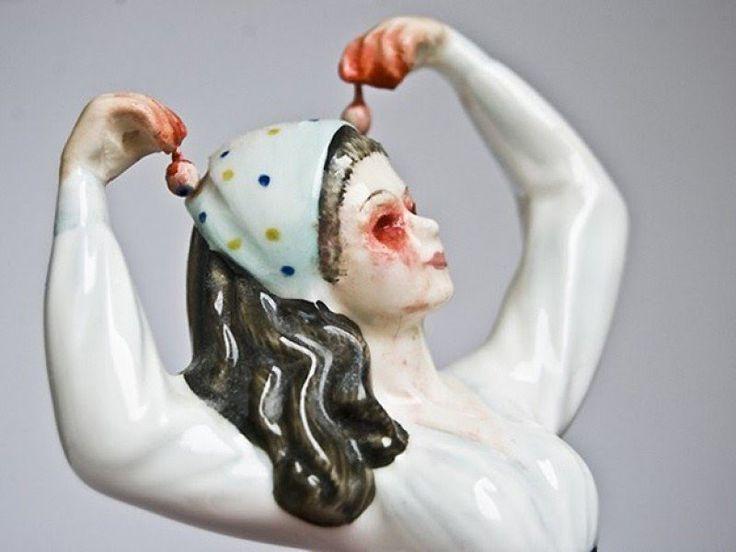 Las sangrantes muñecas de porcelana de Jessica Harrison - Cultura Inquieta