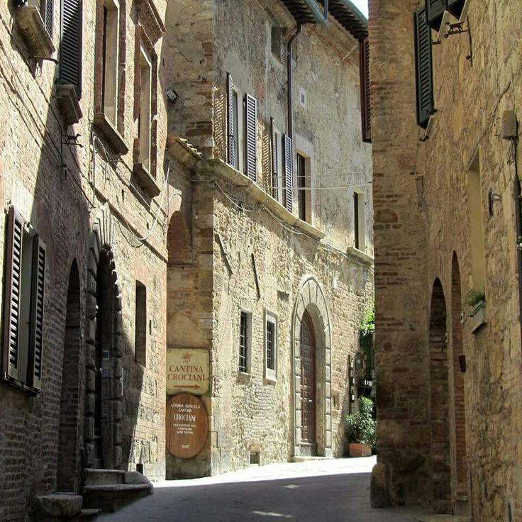 #montepulciano #guesthouse #tuscany #iltosco #experience #ourdoor #ourstreet #beautiful #romantic