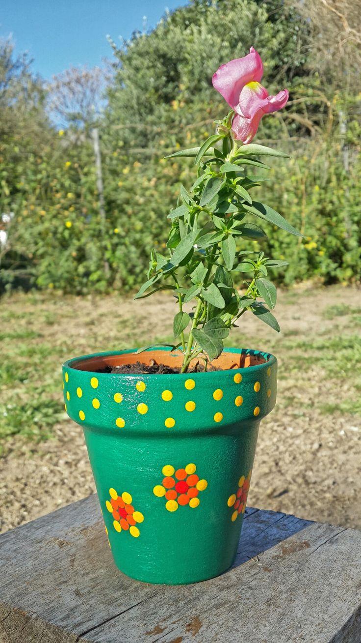 Jardín. Garden. Flores. Conejito. Verde pino. Macetas pintadas a mano. Facebook: A'cha Pots. achapots@hotmail.com