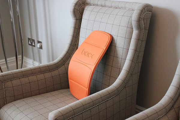 Backboard by Handsome Ltd - The Backboard is a simple, adjustable lumbar support that helps improve posture and restore the natural curve of the spine when seated. Read more at http://www.yankodesign.com/2015/01/28/no-more-slumpin/#Klyooi2lBhrJ5pTt.99