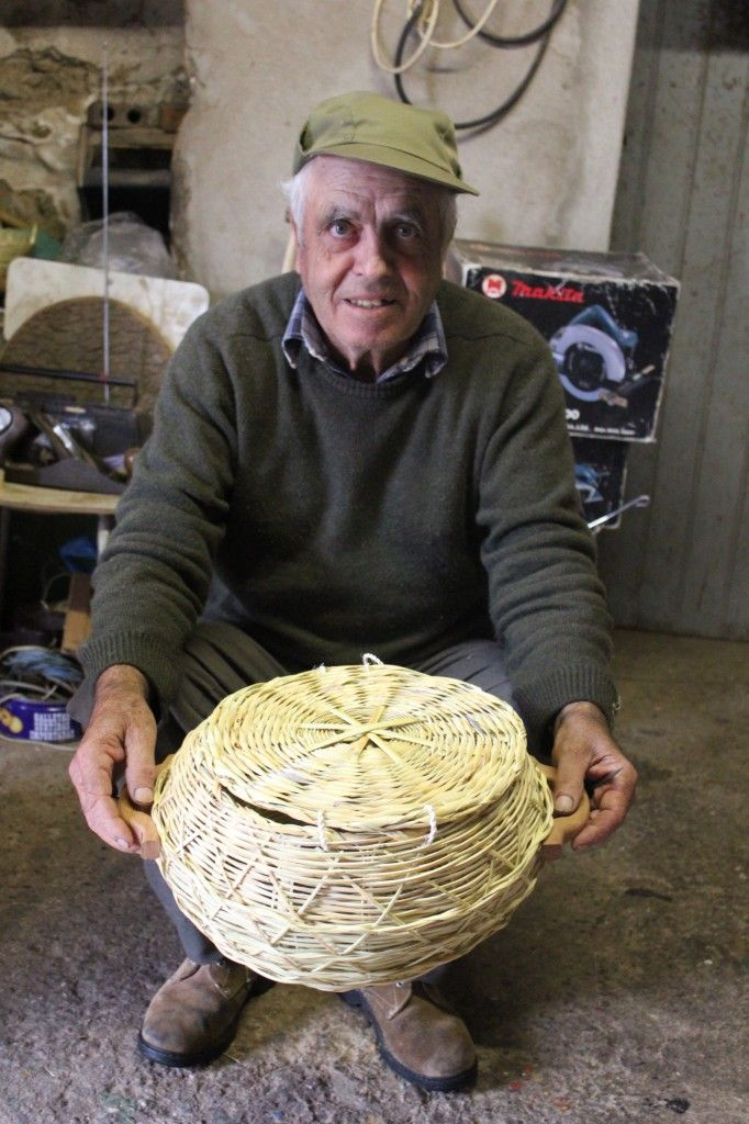 António Gomes, basket maker, Algarve, Portugal - works with TASA
