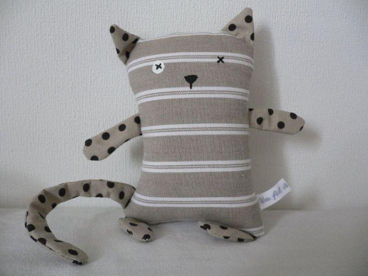 Doudou chat en tissu couture petits animaux pinterest for De tissus en couture