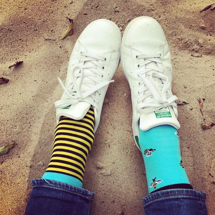 Sokisahtel on sukkiin erikoistunut ketju, jolla on kolmetoista myymälää Tallinnassa. Myymälöitä on esimerkiksi kauppakeskuksissa. Sokisahtelilla on niin hassunhauskoja sukkia, sukkahousuja, legginsejä kuin esimerkiksi raskaana olevien sekä diabeetikkojen tarpeisiin sopivia sukkia. #tallinn #tallinna #eckeröline #sokisahtel