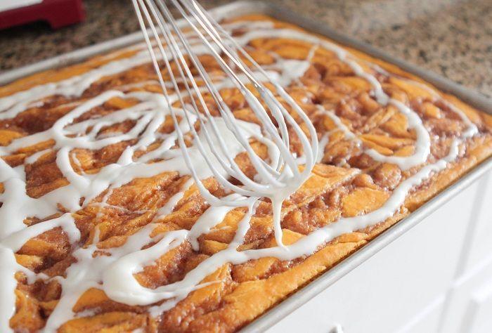 Cinnamon Roll Pumpkin Vanilla Sheet Cake, perfect for your upcoming ...