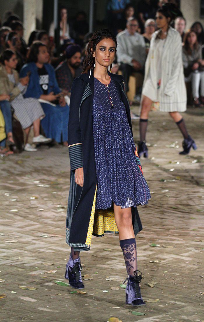 Péro by Aneeth Arora at Amazon India Fashion Week Autumn/Winter 2017