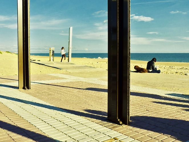 """Thinking of Edward Hopper"" (2011), fotografia e arte gráfica de Kiko Esperilla…"