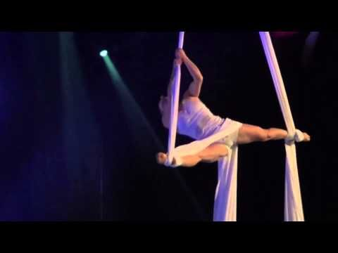 Tissu aérien - Aerial Silk - Karen Goudreault - Demo - YouTube