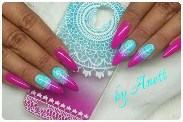 Almond long nails neon pink ombre turquoise