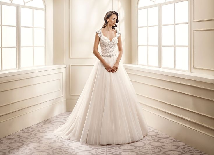 Wedding Dresses Ball Gown Sweetheart: EK1062: Sweetheart Neckline, Cap Sleeve
