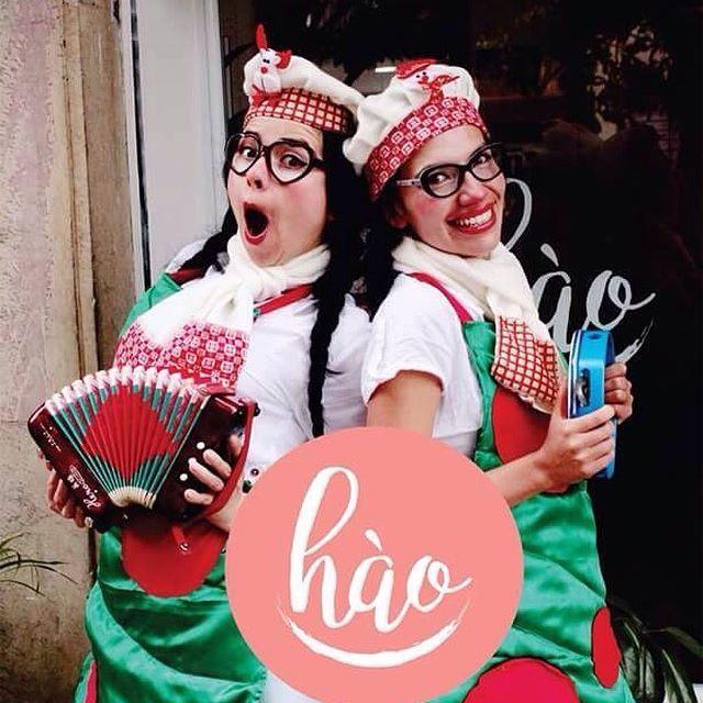 Estuvimos varios días ausentes de las Redes Sociales porque estábamos preparando esta sorpresa para ustedes. Queremos Desearles Felices Fiestas!!!!. Los esperamos Aquí en Hào en estas Festividades y en las Vacaciones. Gracias por compartir con nosotros!!! ven y Conocenos, estamos en el barrio La Soledad en Bogota. Calle 36 # 24-56. Gracias a Todos los Colaboradores Talento Nacional. Luisa Acuña, Diana Jaramillo, Juan Gabriel Machado y Andrea Sanchez. #haobogota #vegetarianos #veggie…