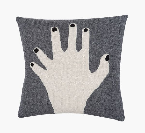 Fancy finger pillow case grey fra luckyboysunday til 699 kr.