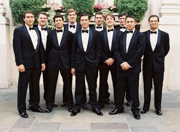 new-orleans-black-tie-wedding-groomsmen-tuxes