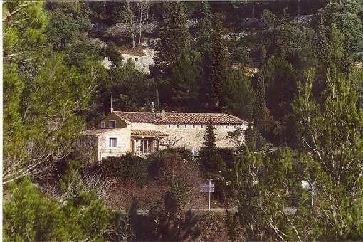 Maison Saumane de Vaucluse - Maison de charme en pierres sèches avec piscine chauffée 609903 | Abritel