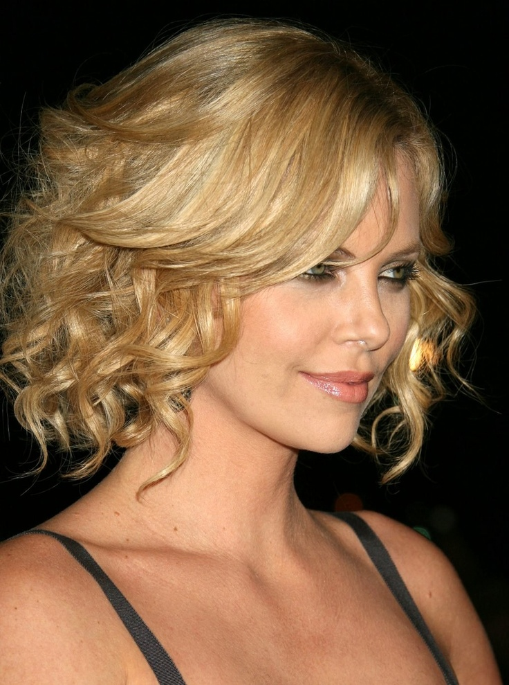 Charlize Theron-right side | SHORT Hair