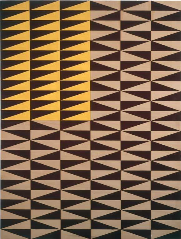 Contrast: light , colours: light brown , dark brown and yellow , Patterns , Repetition , Symmetry.